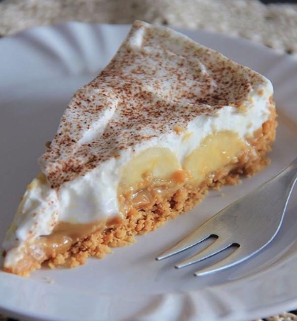 Banoffe de Banana: É receita fáceis e Infalível, sobremesa é uma sobremesa de dar água na boca. Em primeiro lugar esta e uma receita simples de fazer, pois os ingrediente e usado todos os dia