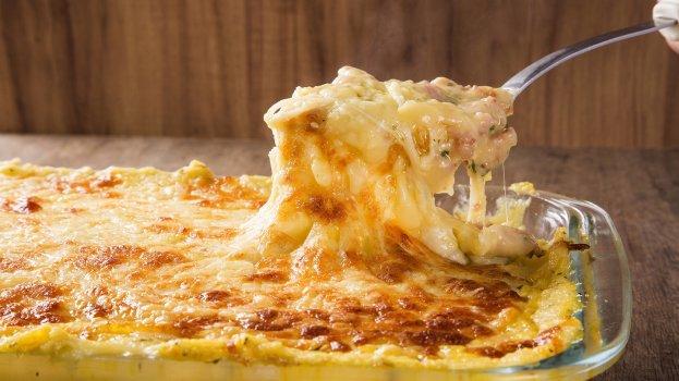Frango Gratinado para você que ama essa combinação de frango e catupiry, como nós, vai adorar essa receita de gratinado que preparamos para você.